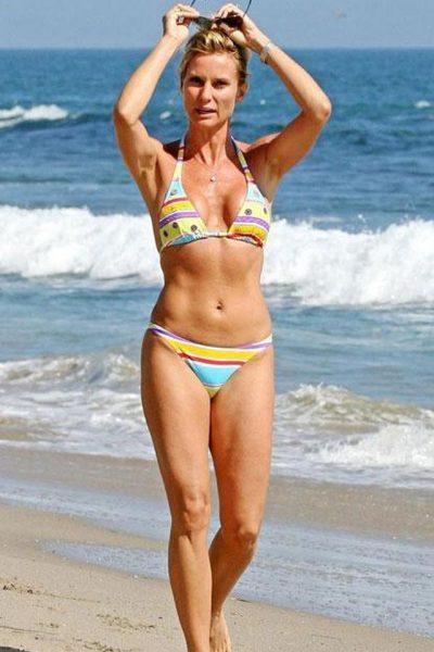 погадать фото актрис на пляже европейское